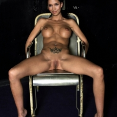 Show Me Halle Berry Naked photo 22