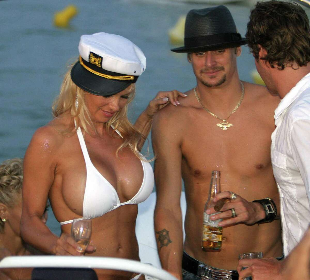Pam Anderson Nud photo 17