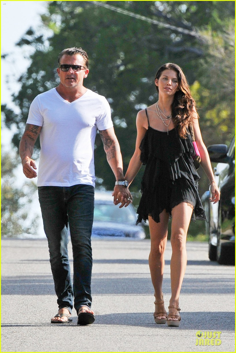 Annalynne Mccord And Dominic Purcell photo 8