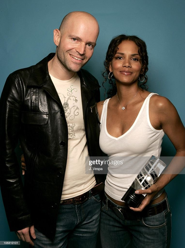 Halle Berry Monsters Ball Pictures photo 11