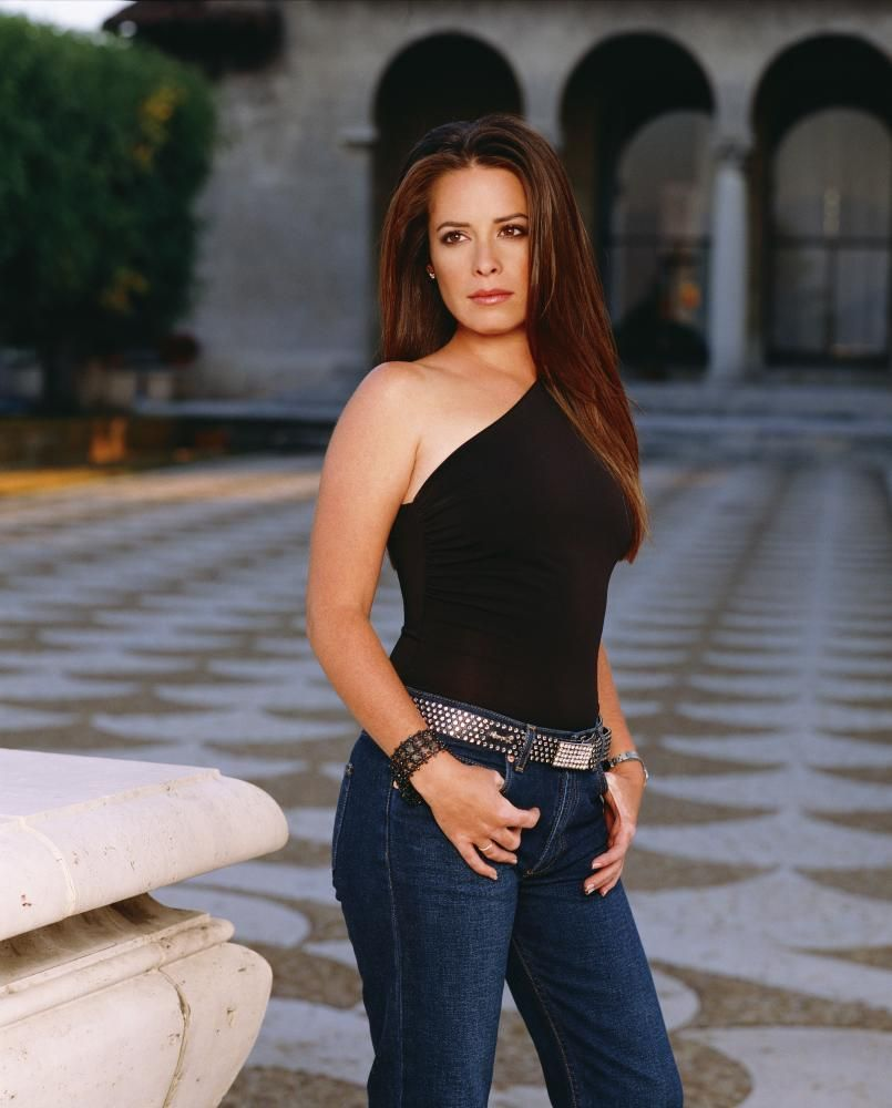 Sexy Holly Marie Combs photo 28
