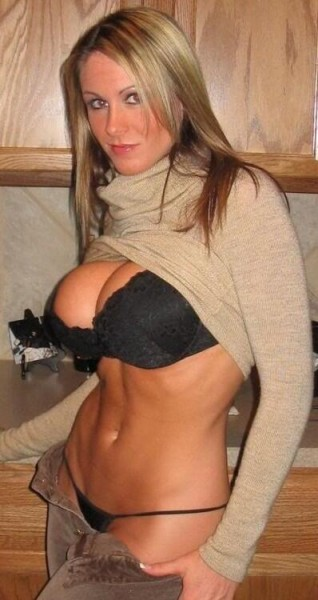 Trophy Wife Topless photo 7